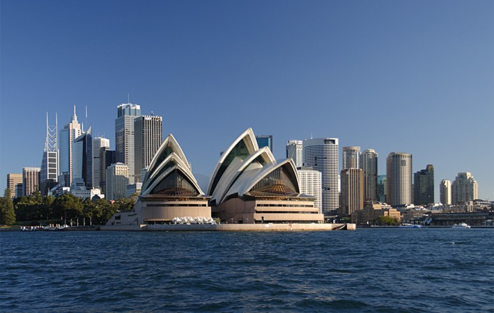 Sydney_opera_house_and_skyline-kopia