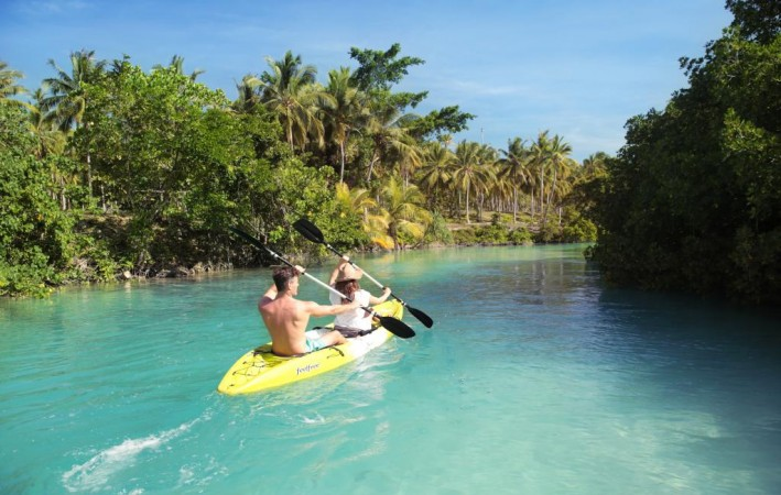 vanuatu-tourism-kayak-54998