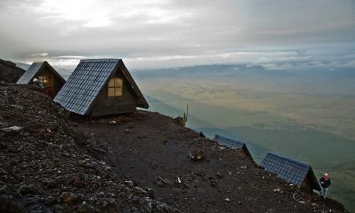 nyiragongo-summit-virunga-national-park-drc-timbuktu-travel